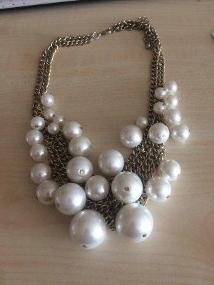 Kette mit Perlen sehr schön