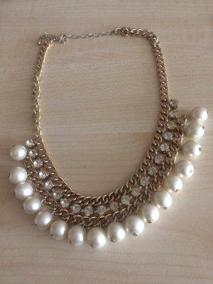 Kette mit Perlen und Glitzersteinchen