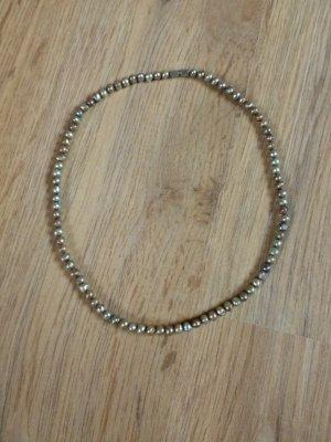 Kette Perlenkette Perlen grau
