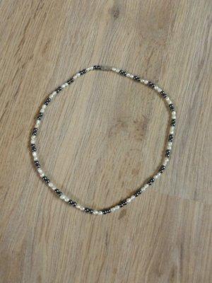 Kette Perlenkette Perlen weiß grau