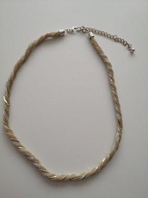 Cadena color plata-beige claro