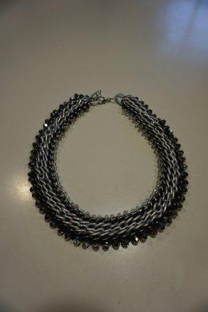 Kette schwarz und silber mit Perlen und Glitzer
