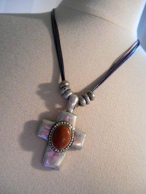 Necklace multicolored metal