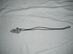 Kette Street one blaues Lederband mit Fischanhänger