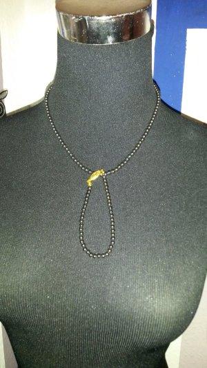 kette und armband aus perlen