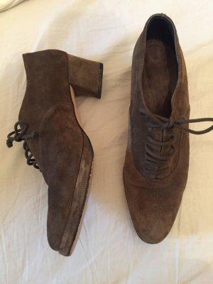 Khaki farbene Schuhe Vintage