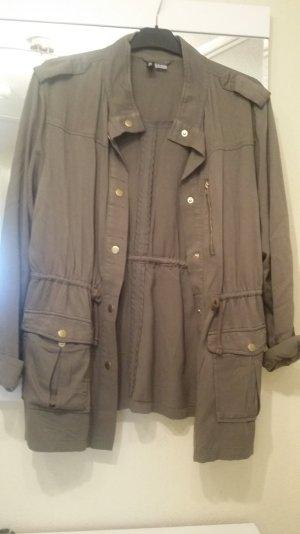 Khaki Farbener Locker sitzender Mantel
