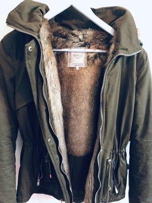 Khaki-Grüner Kunstfell-Parker Zara