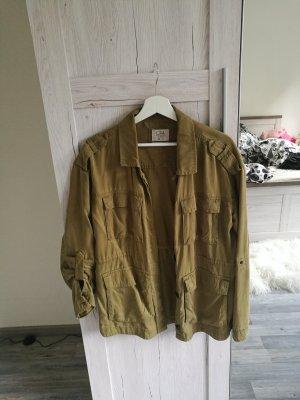 Khaki Jacke C&A super stylish