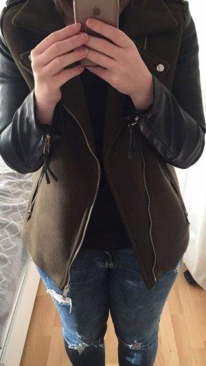 Khaki Jacke mit Lederärmeln und Innenfutter