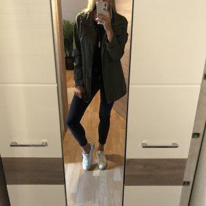 Khaki Jacke mit Nieten