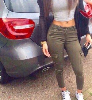 Khaki jeans eng Größe xs/s