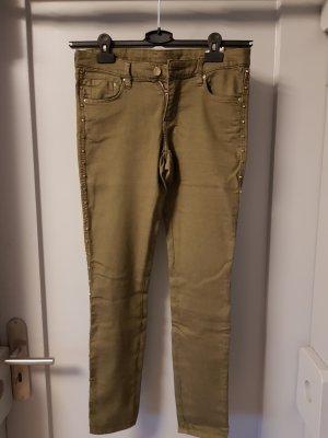 Khaki Jeans mit goldenen Details von H&M