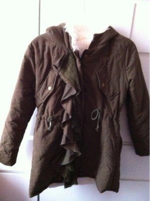 Abrigo con capucha gris verdoso
