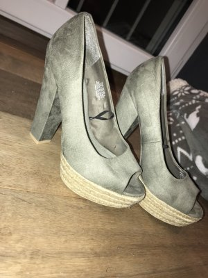 H&M Peep Toe Pumps khaki