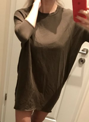 Khaki Pullover, oversized mit engem Vorderärmel, Gr 34