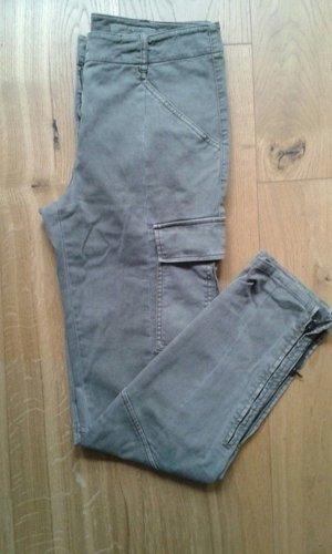 Khaki Röhrenhose mit Seitentaschen