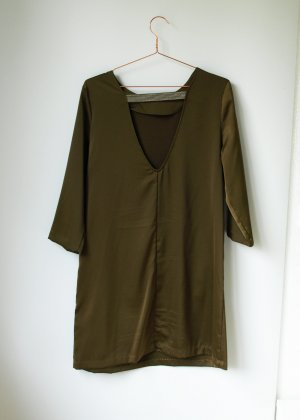Khaki Shift Dress mit Rückenausschnitt und Silber Glitzer H&M 42 XL Etuikleid