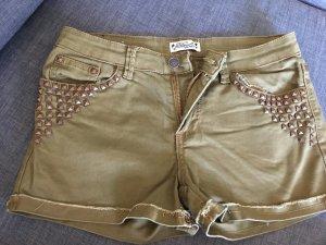 "Khaki Shorts ""Deby Debo"""