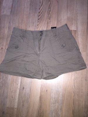 Khaki Shorts von H&M