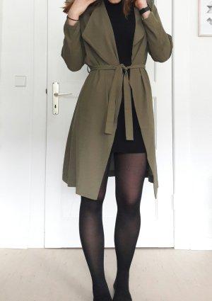 Khaki Trenchcoat aus leichtem Stoff