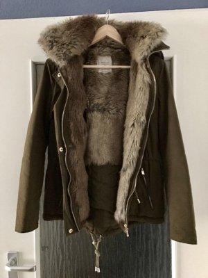 Khakifarbene Felljacke von Zara