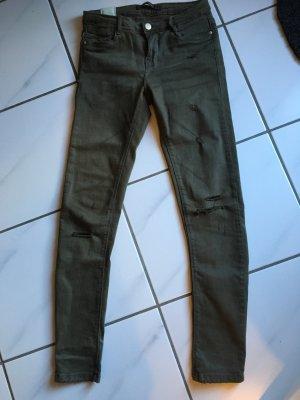 Khakifarbene Hose von Zara