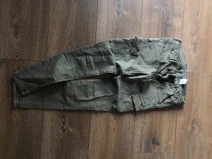 Khakifarbene Röhrenhose von H&M