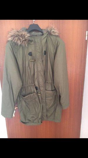 Khakifarbener Mantel