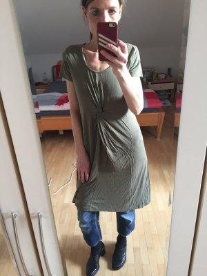 Khakifarbenes Kleid im Skater Stil