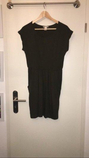 Khakifarbenes T-Shirtkleid