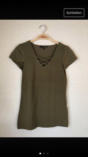 Khakifarbenes Tshirt