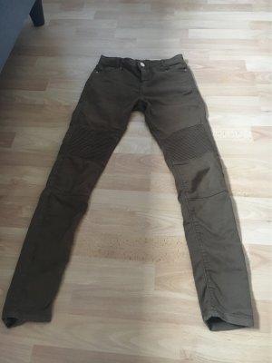 Bershka Pantalón de color caqui gris verdoso-ocre