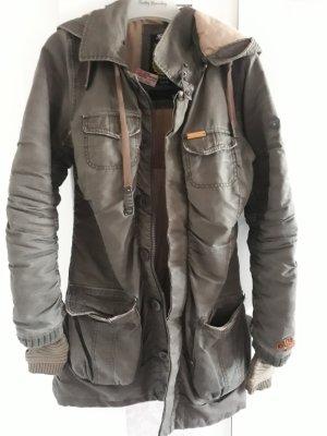 khujo mantel in khaki Grün