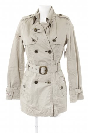 Khujo Trenchcoat hellbeige Street-Fashion-Look