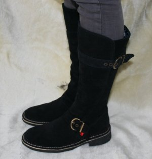 Kickers Winter Boots black suede