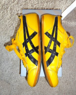 Kill Bill: Asics Onitsuka Tiger Whizzer LO Sneakers