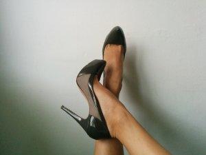 Killer-Heels in hell und dunkel Grau