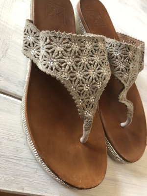 Kim Kay London High-Heeled Toe-Post Sandals grey-brown
