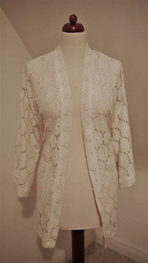 Kimono aus weißer Spitze