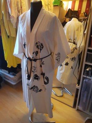 Oversized Coat white-black linen