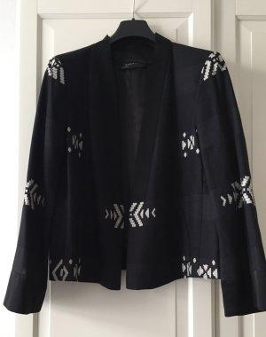 Kimono Stil Jacke in schwarz mit gewebten weißen Ethno Motif