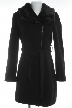 Kiomi Wintermantel schwarz Street-Fashion-Look