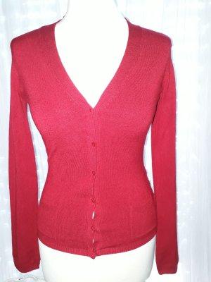 Kirschroter Cardigan ideal zum luftigen Sommerkleid