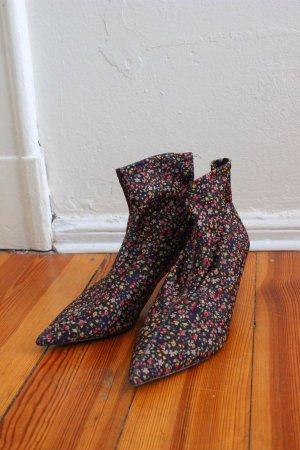 Kitten Heel/ Boots mit Blumenprint