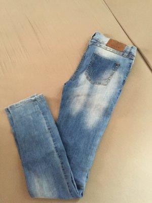 Klasse Jeans von Review