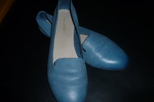 klasse, jeansblaue Slipper