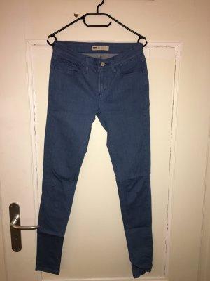 Klasse Levi's Jeans in Hellblau