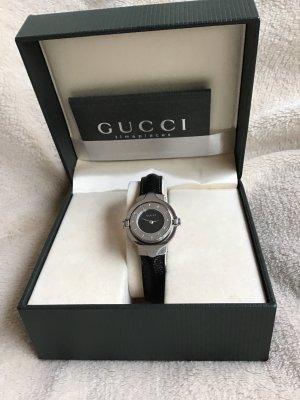 Klassiker Gucci Reverse Spangen Uhr hervorragender Zustand