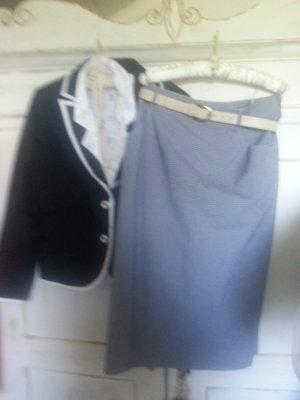 Falda blanco-azul oscuro